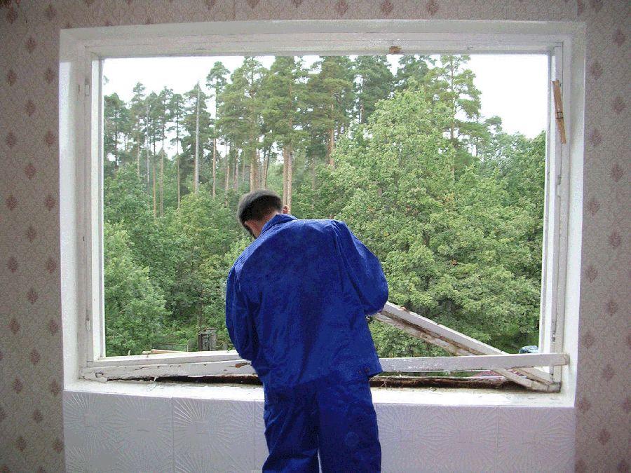 Самостоятельное снятие раздвижных пластиковых окон на балкон.
